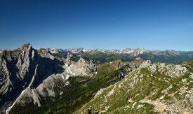 Panorama , Berglandschaft , Landschaft , Alpen , Allgäuer Alpen , Österreich , Tirol , Fernsicht , Wandern , Gipfel , Morgen , Himmel , Mond , Mountains , Alps , Otto-mayr-Hütte , Summit , Trekking ,