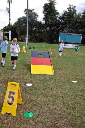 Fussballgolf Module mieten Karben Eventmodule Verleih Fussball Golf spielen Bürogolf Minigolf Frankfurt Fussballgolf Anlage