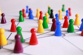 Verbindungen ziehen! Damit unsere Vielfalt zur Stärke wird anstatt zum Organisationshindernis.