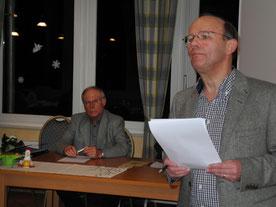 Heinz Gaußling eröffnet die Versammlung