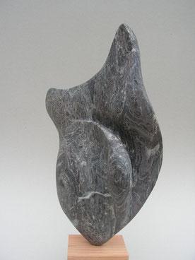 le bas est le haut - albâtre noir 2014 43,5cm