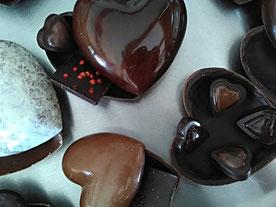 Moulage coeur en chocolat noir ou lait biologique