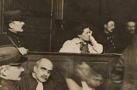 Hélène Brion devant le conseil de guerre © Université de Normandie Flickr Commons