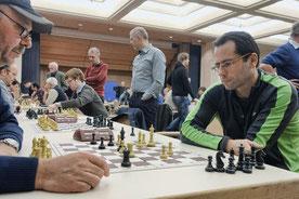 Gerhard und Florian machen Druck, Reinhard observiert