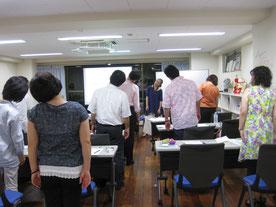 集中力にはリラックスが一番!!身体も動かす絵画絵画教室