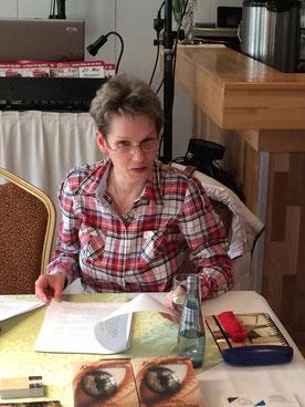 Delmenhorster Schriftstellerin Katy Buchholz bei der Lesung des DHB Netzwerkes