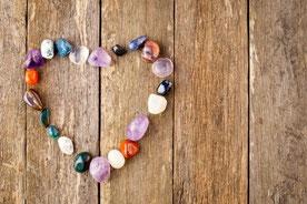 Wie können Edelsteine heilen helfen, Raum für Herzensklang, Beinwil am See