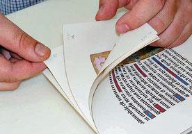 Vérification de l'assemblage des pages.