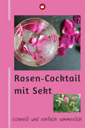 Cocktail mit Sekt und Rosenblütensirup #sommerdrink #rose
