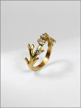 Engagement ring - yellow gold  diamonds - Nelly Chemin