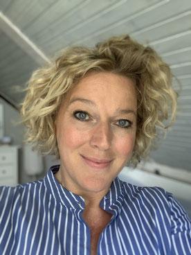 Julia Schuchardt, Online Communications Specialist