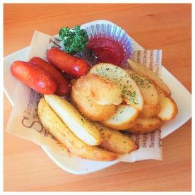 ポテト&ウィンナー  ¥380/Size up¥530/バター+¥50