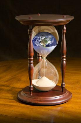 Car la vision est encore pour un temps déterminé, et elle parle de la fin, et ne mentira pas. Si elle tarde, attends-la, car elle viendra sûrement, elle ne sera pas différée. Soyons aux aguets. Préparons-nous au retour du Christ.