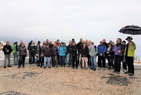 L'ensemble du groupe en visite à Altéa le jour pluvieux...