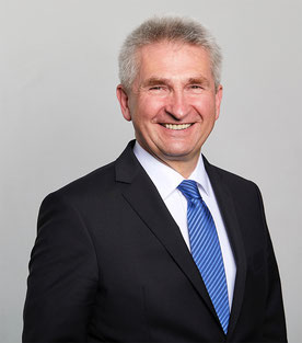 NRW-Wirtschafts- und Digitalminister Prof. Pinkwart (© MWIDE NRW / Frank Wiedermeier)
