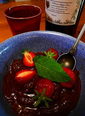 Grießbrei mit Urdinkel und Buchweizen, Mandelmilch, Kokosblütenzucker mit Zimt, brauner Butter und rohem Apfelmus
