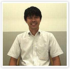 電気工学科2年生を担任する小林真治先生