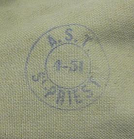 """Musette du modèle """"lourd"""" fabriquée au 4 trimestre 1951"""