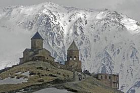 Kirche von Gergeti im Kaukasus Georgien