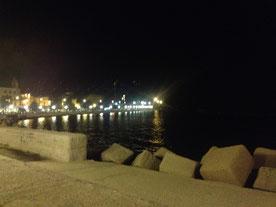 Meer Bari Altstadt bei Nacht
