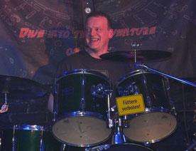 Peter on Drums - Foto: Sattydo