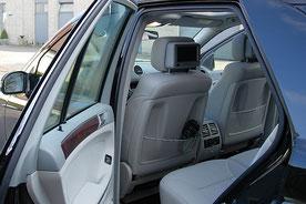 Monitore in Aufbaukonsolen im Mercedes M-Klasse ML W164