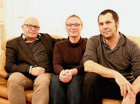 Markus Seumel und Agnes Christ (Vorstandsvorsitzende) sowie Georg Klein (Betreiber) freuen sich über den Preis. © Radgen
