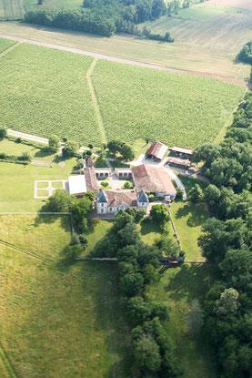Vue aérienne du Château la Hitte en Nouvelle Aquitaine