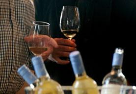 18. Oktober 2014 - Lektion 1: Wie man ein Weinglas hält