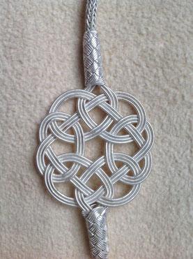 ENDLOSknoten am Silberkordel-Armband in besonderer Silberdraht- Technik. i-must-have.it