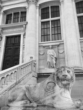 Palais de Justice de Paris, façade vue de la Place Dauphine