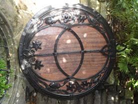 Vesica piscis  Chalice Well à Glastonbury