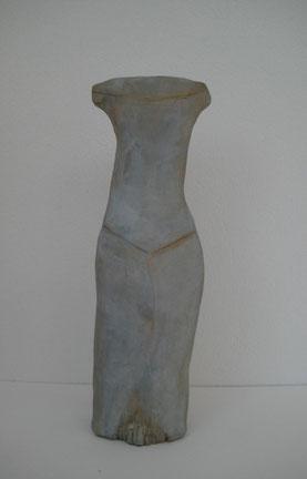 Auffallend schlicht, Ton bemalt, 24 cm, Rückenansicht