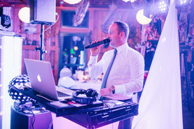 In Ludwigslust mit DJ geheiratet.