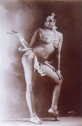 [Quelle: Wikimedia Commons. Josephine Baker, French Walery 1926/27, public domain by age]