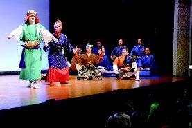 国立劇場おきなわの西表公演が行われた=23日午後、中野わいわいホール