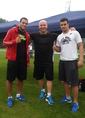 Ashraf Amgad Elseify (links) gewinnt den Hammerwurf bei tropischen Temperaturen mit erstklassigen 78,04 Metern.