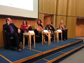 Vier gewinnt: Jan Eder, Dilek Kolat, Annette Enderle, Nicole Srock.Stanley und Antje Meyer. Bild MSG