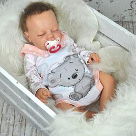 Babystrampler mit einem Koala auf der Vorderseite