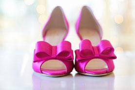 Pinkfarbene Brautschuhe