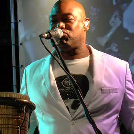Sherwin Kirindongo Muzikant Percussionist