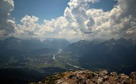 Alpen , Berge , Bayern , Österreich , Lechtal , Landschaft , Panorama , Aussicht , Säuling , Wandern , Mountains , Alps , Germany , Trekking , Hüttentour , Himmel , Sky , Wolken , Landscape