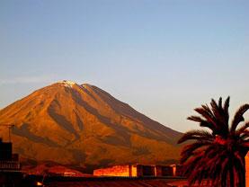 der Vulkan El Misti 5.822 m hoch