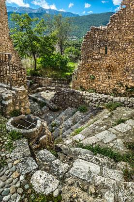 Beffi, Borgo fortificato, Abruzzo aquilano