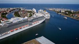 Luftbilder Rostock Warnemünde Kreuzfahrtschiffe