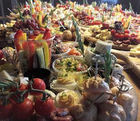 Borrelplank, borreltijd,borrelbuffet, catering, Bekelaar culinair, hapjesplank