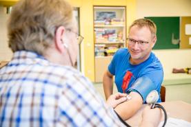 Auch Blutspender profitieren bei ihrer guten Tat für die eigene Gesundheit (Foto: BSD/Stefan Heigl)