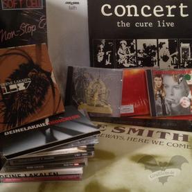 Viele Platten und CDs wurden rausgekramt und quergehört. Aber nicht alle Anwärter schafften es auf die Liste der 13 allertraurigsten Songs / Foto: Gothamella