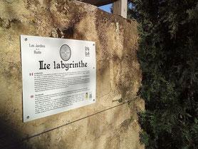 Guide de visite et panneaux pédagogiques des Jardins de la Butte, Gourdon. Client : Association Vertus Vertes. Traduction du français vers l'anglais.