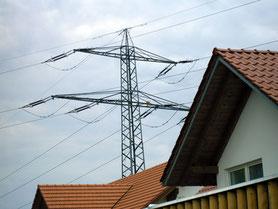 Elektrosmogbelastungen durch einen Hochspannungsmast in der Nähe des Wohnhauses